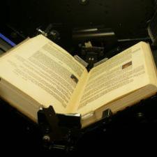 Сканиране на книги и подвързани документи. Сканиране на подвързани вестници със скенер за книги. Дигитализация на архиви. Индексиране и електронно архивиране.